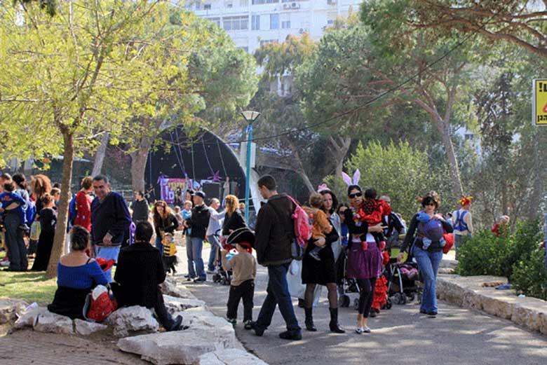 3,400 non-Arab Christians live in Haifa Photo: Lucy/Shutterstock